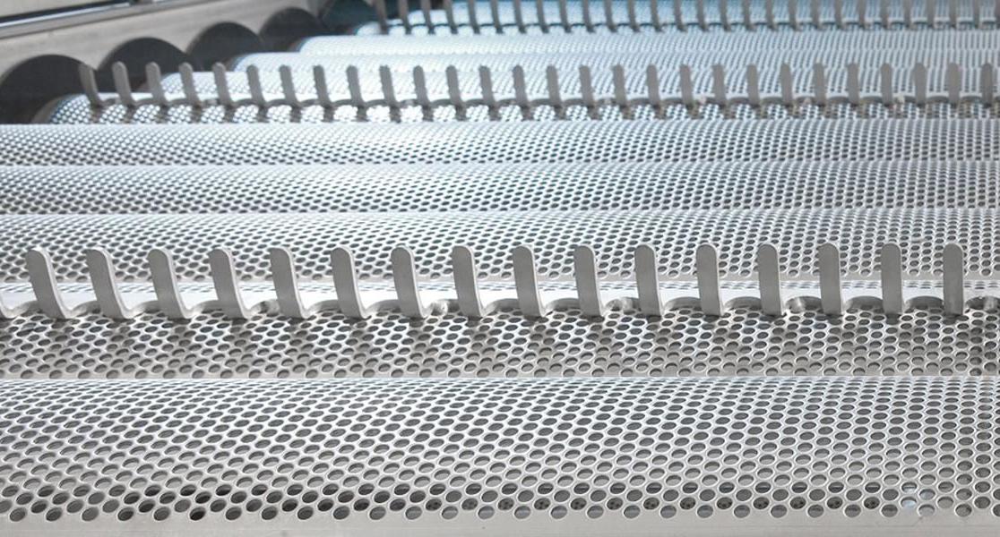 Сложни детайли от огъната перфорирана ламарина за конвейерни компоненти