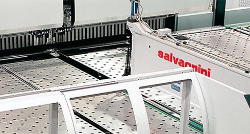 """Напълно автоматизирана огъваща линия """"Salvagnini P4"""""""